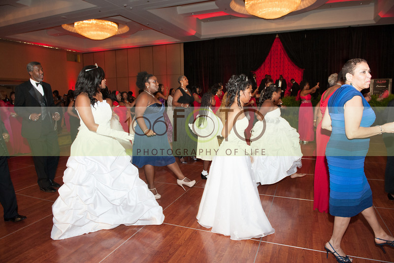 2013 DST EMINENCE POST GALA PGM-024