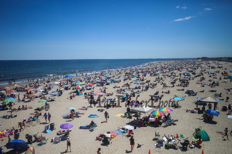 Crowd, Hampton Beach on July 30th, 2017.  Matt Parker Photos