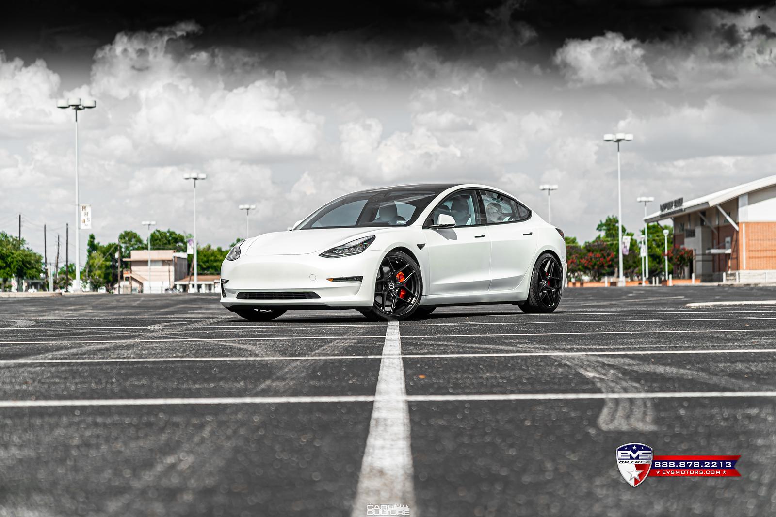 Tesla%20Model%203%20Performance%20on%20Brixton%20RF7-11-X3.jpg