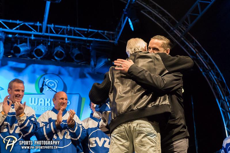 EVZ-Volksfest - Präsentation 1. Mannschaft des EV Zug und EVZ Legenden - Bild-ID: 201709020432