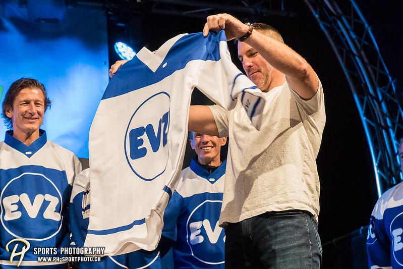 EVZ-Volksfest - Präsentation 1. Mannschaft des EV Zug und EVZ Legenden - Bild-ID: 201709020417