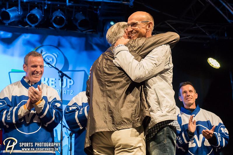 EVZ-Volksfest - Präsentation 1. Mannschaft des EV Zug und EVZ Legenden - Bild-ID: 201709020376