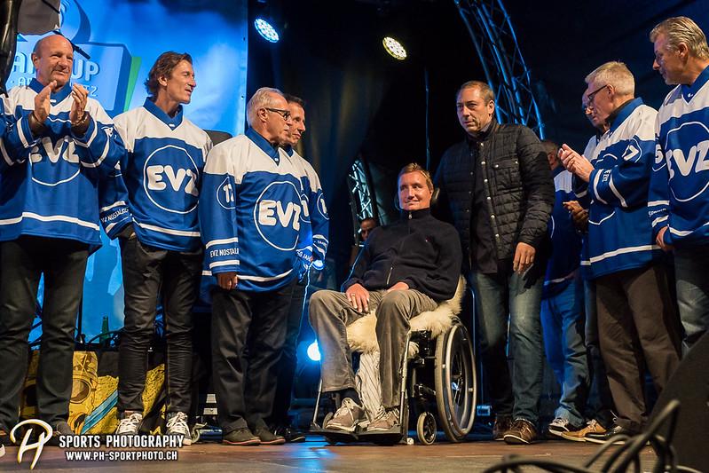 EVZ-Volksfest - Präsentation 1. Mannschaft des EV Zug und EVZ Legenden - Bild-ID: 201709020411