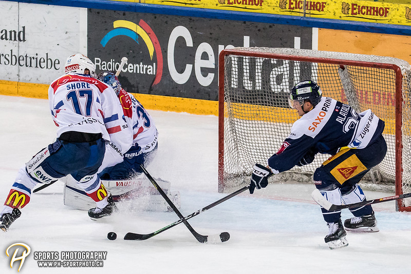 National League Playoffs - Viertelfinal - Spiel 1: EV Zug - ZSC Lions - 4:1