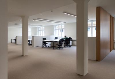 16 Innenraumgestaltung der Schweizer Filiale der Chinesischen Grossbank ICBC, Zürich - Büroräume ohne Glastrennwände. EXH Design 2018