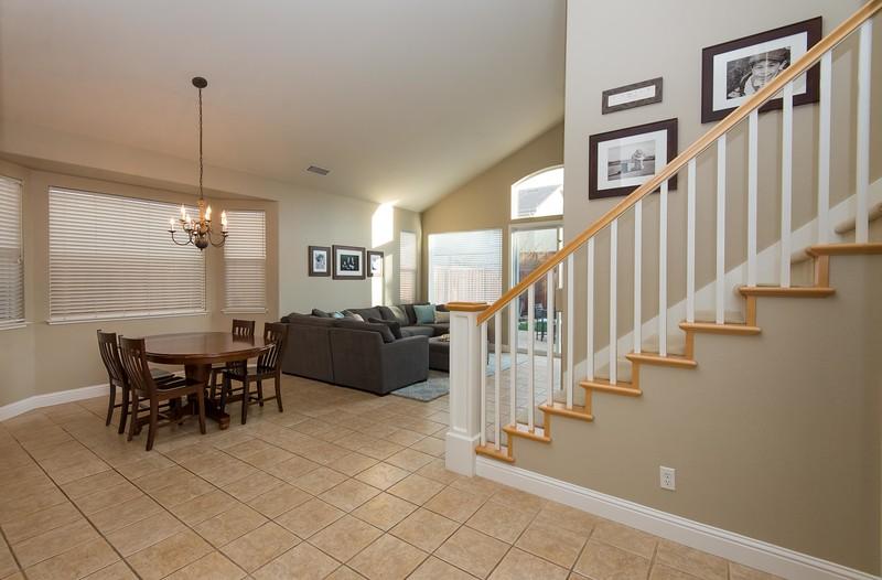 DSC_0068_stairs-1