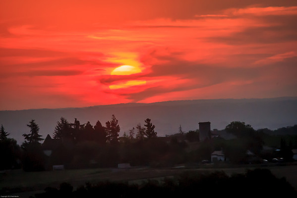 Sunrise over Saussignac
