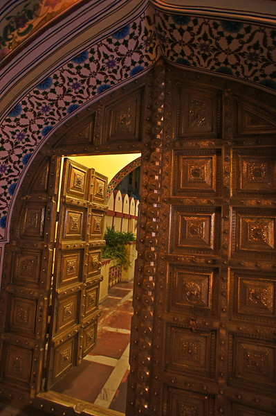 The entrance door to the Bhawan hotel, Jaipur.