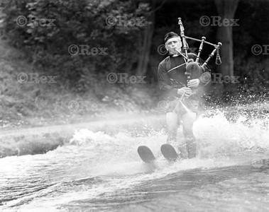 ski vicar bagpipes