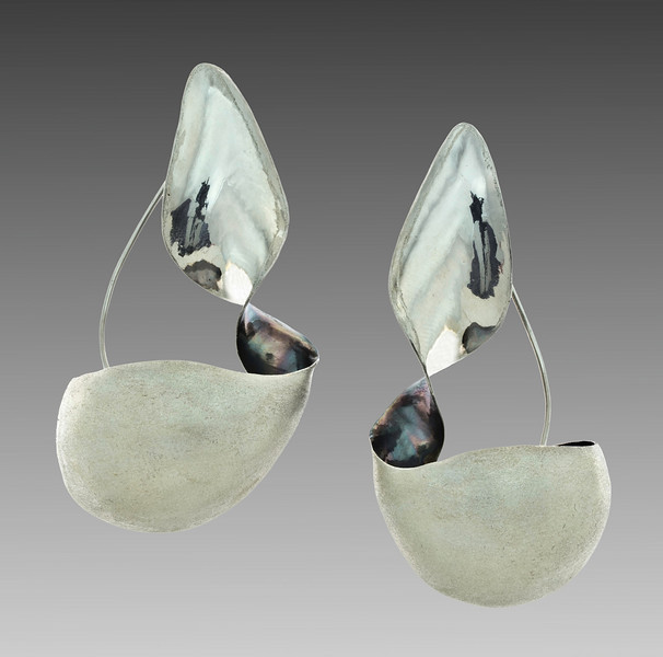 Puabi Curve Earrings