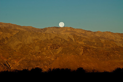 Moonset, Death Valley