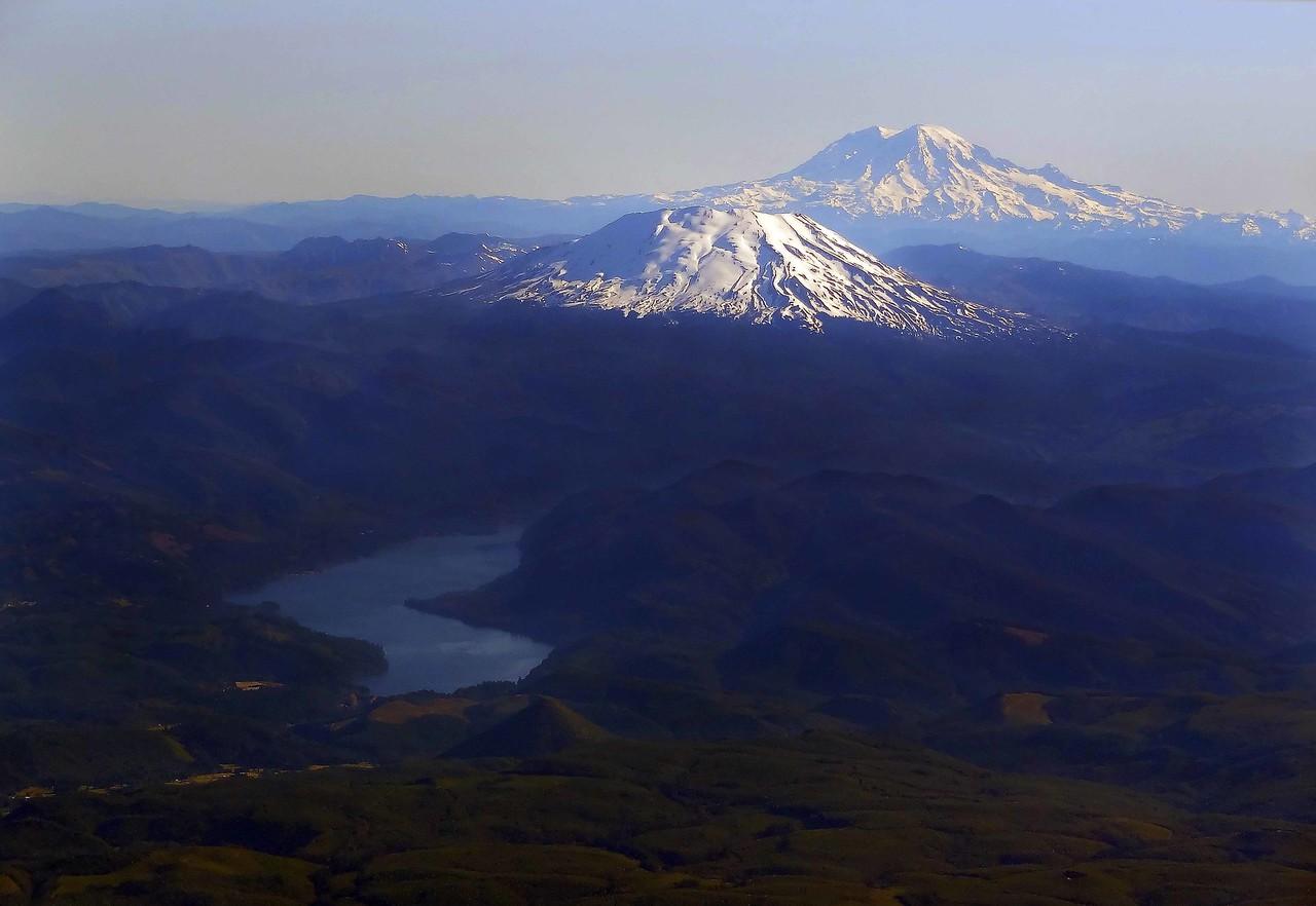 Mt St. Helens and Mt Adams - Washington