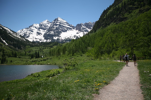 ASPEN, CO - Ride with Little Nell Adventure Center to the Maroon Bells
