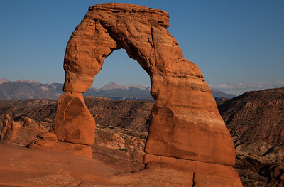 Delicate Arch at sunset. Arches National Park, Utah.