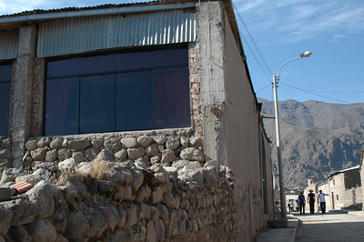CABANACONDE, PERU: Unusually large windows for this town and these dwellings looking towards the canyon.