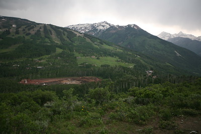 SNOWMASS, CO - Rim trail hike. Into the storm!