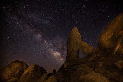 Boot Arch in the Alabama Hills with the milkyway