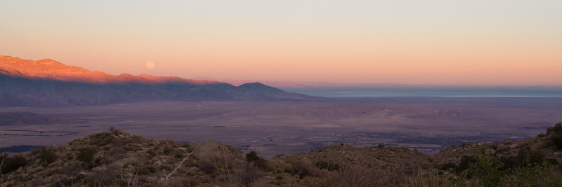 Moon Rise overlooking the Anza Borrego State Park & the Salton Sea.