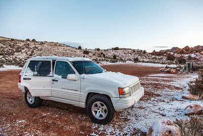 The parking lot at the North Coyote Buttes trailhead
