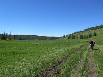 Hiking to Cascade Lake