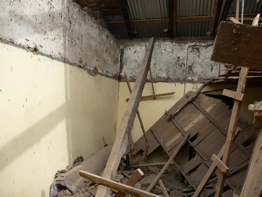 Quake damage to home near Talca