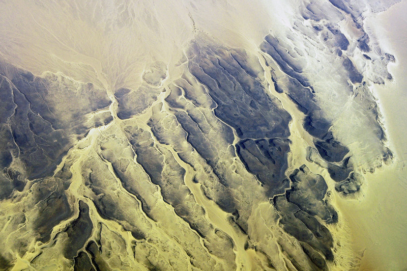 Rocky ridges in the Sahara, southern Algeria