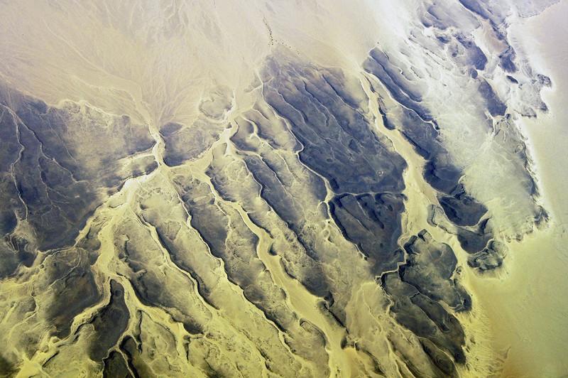 Rocky ridges in the Sahara, southern Algeria