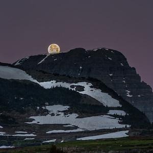 Moonset at Logan Pass