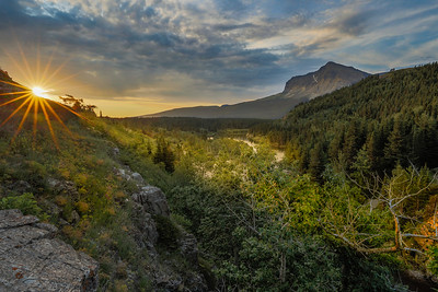 Sunrise at Swiftcurrent Creek