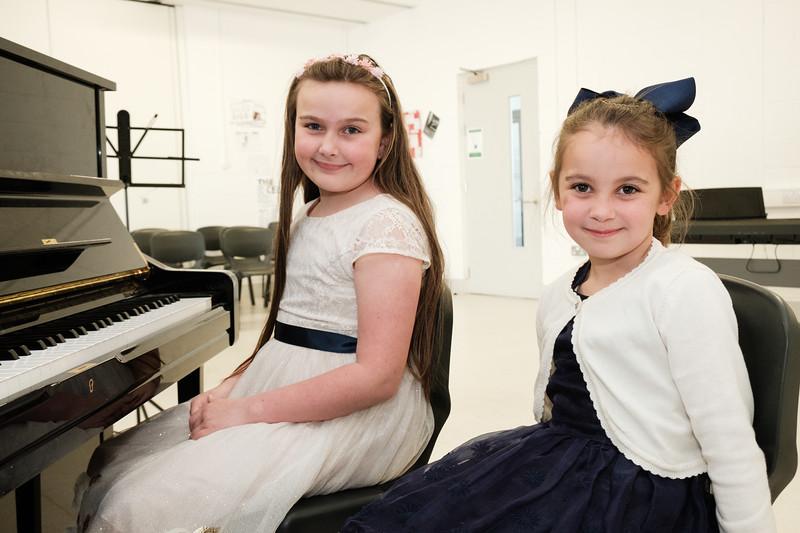 Cousins Lilrose and Layla Moloney