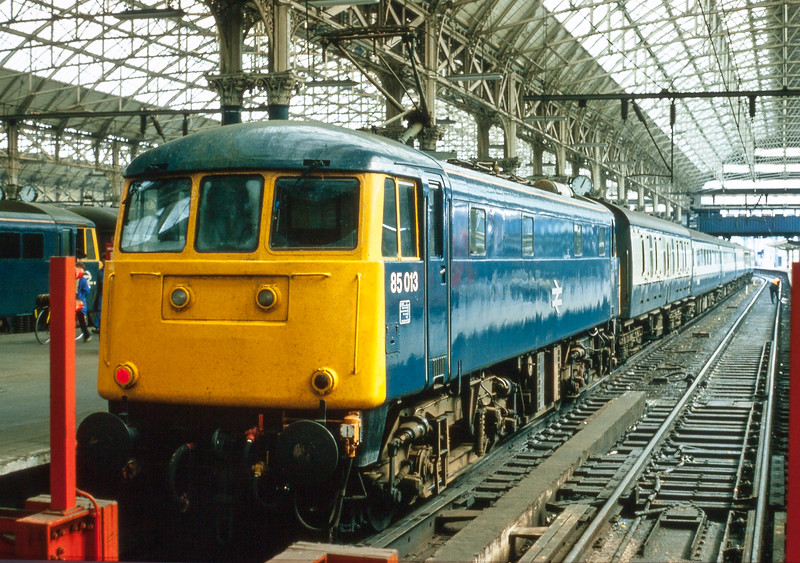 85013 Manchester Piccadilly