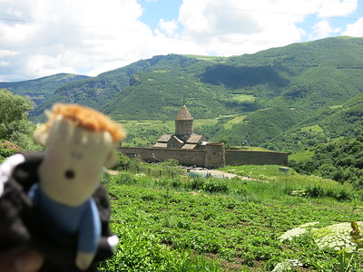 Stressmannejte enjoying Tatev monastery