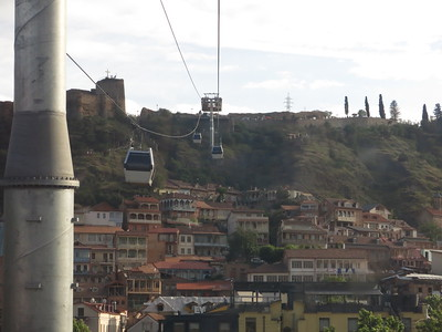 Cable cart towards the Mother Georgia statue and Tbilisi fortress
