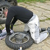 Stressmannetje stressing out about the flat tyre