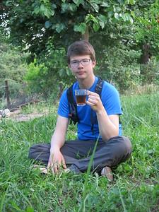 Hette enjoying some tea