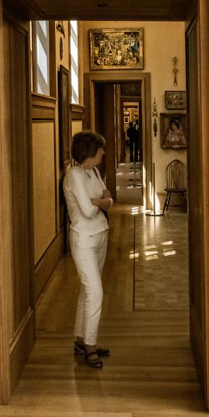 Barnes Museum - Hallway-1