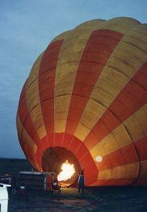hot air ballooning early morn'