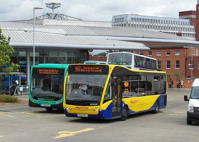 411 - AU08DKL - Norwich (bus station) - 30.7.12