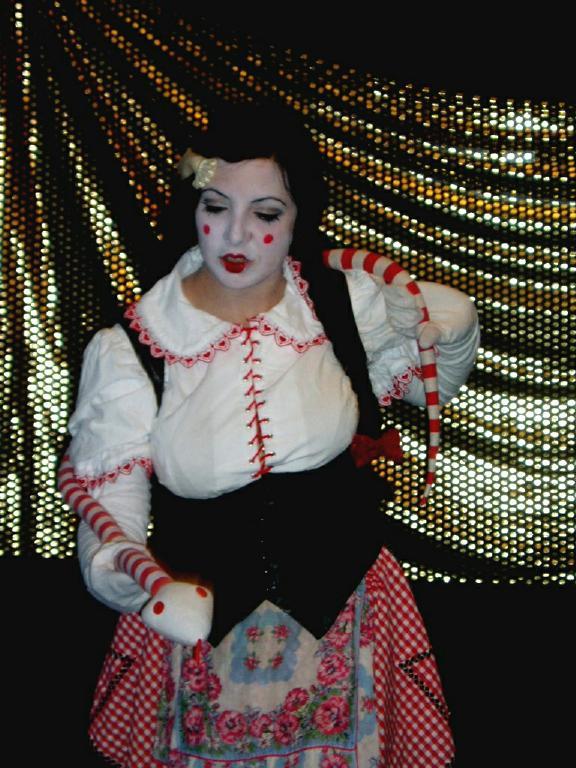 Spring 2003<BR>The burlesque show