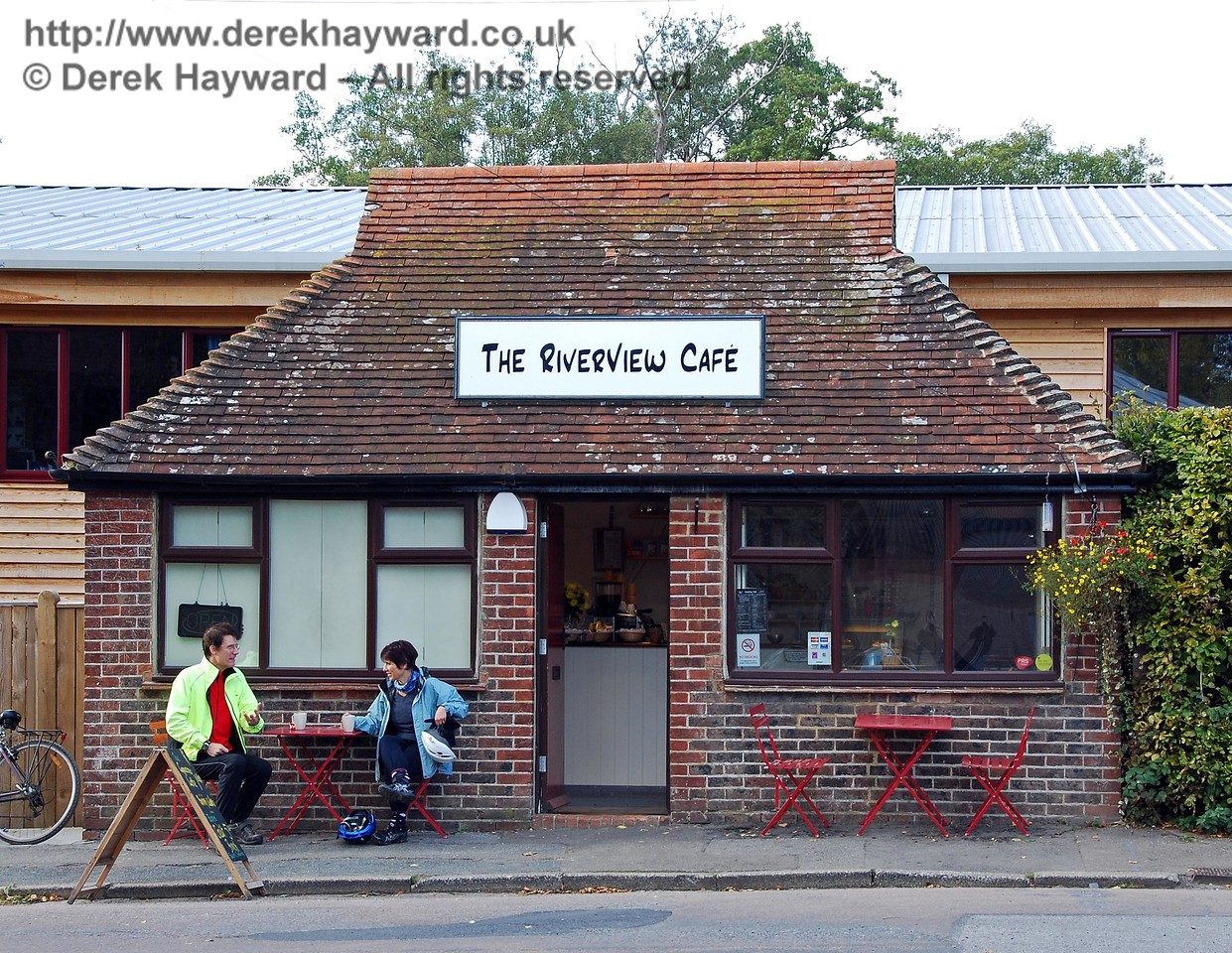 Enthusiasts who like disused stations will not enjoy Forest Row, the area having been redeveloped. However the old coal office in the station forecourt survives as The Riverview Cafe. 18.10.2009