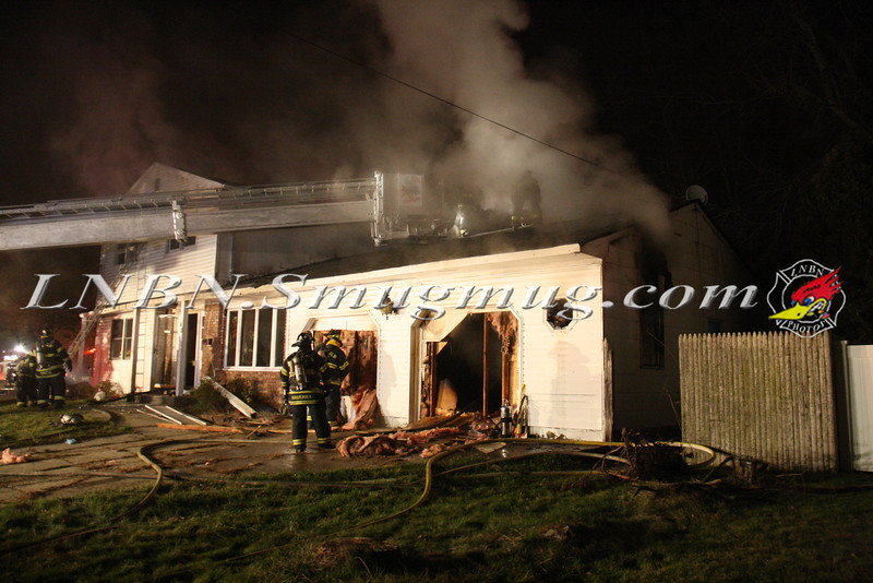 East Islip Working Fire  43 Lagoon Place 12-27-11-13