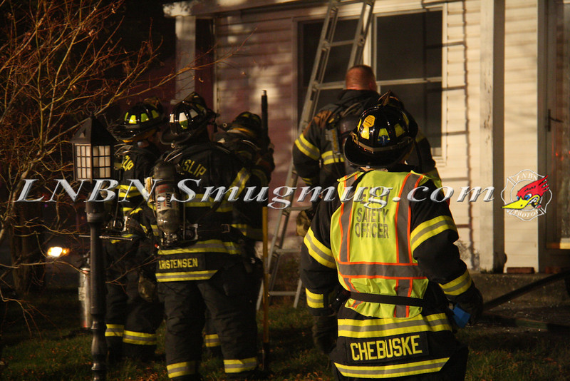 East Islip Working Fire  43 Lagoon Place 12-27-11-6