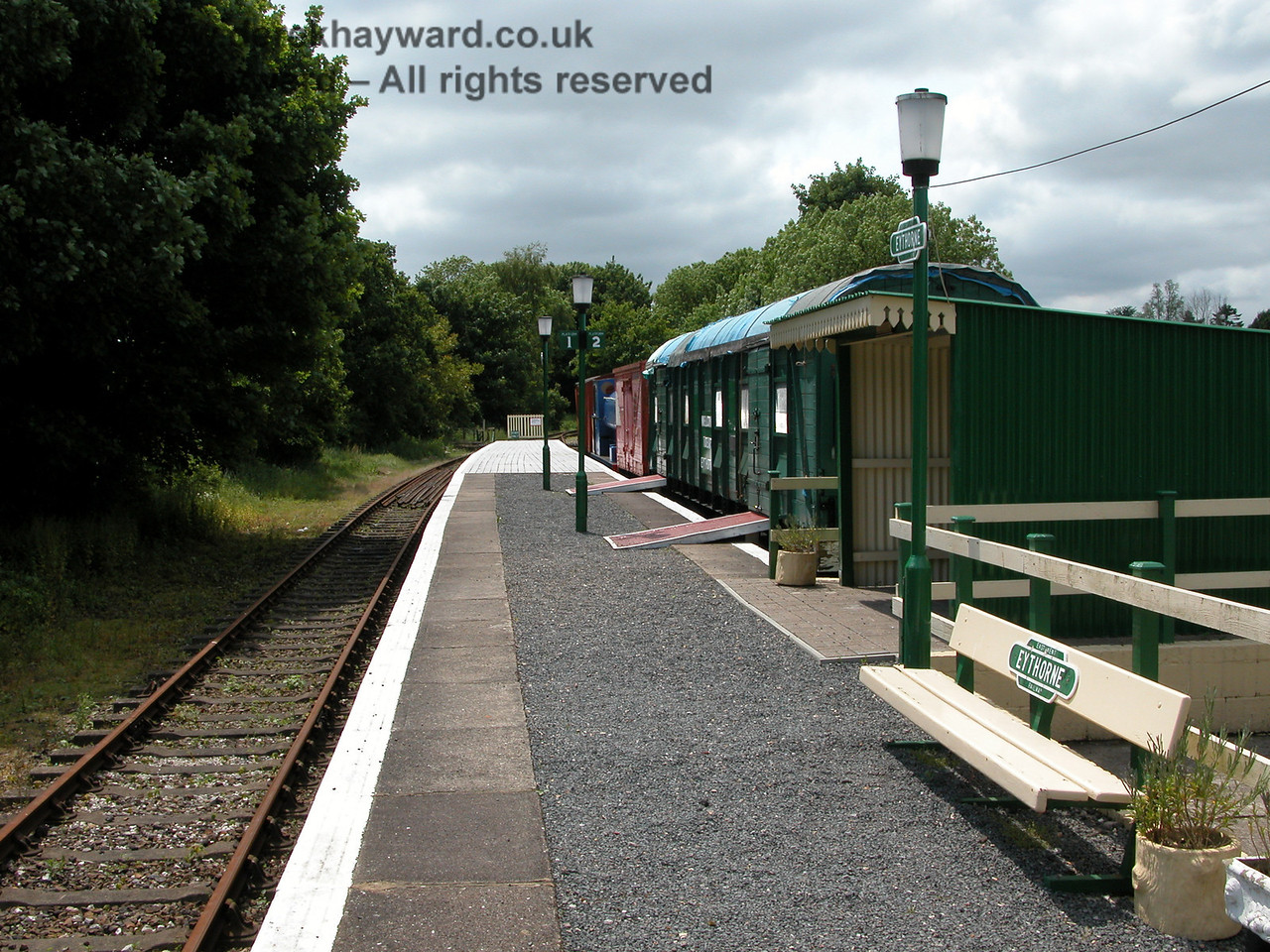 10 years earlier, Eythorne Station looking west along the platform. 06.06.2005