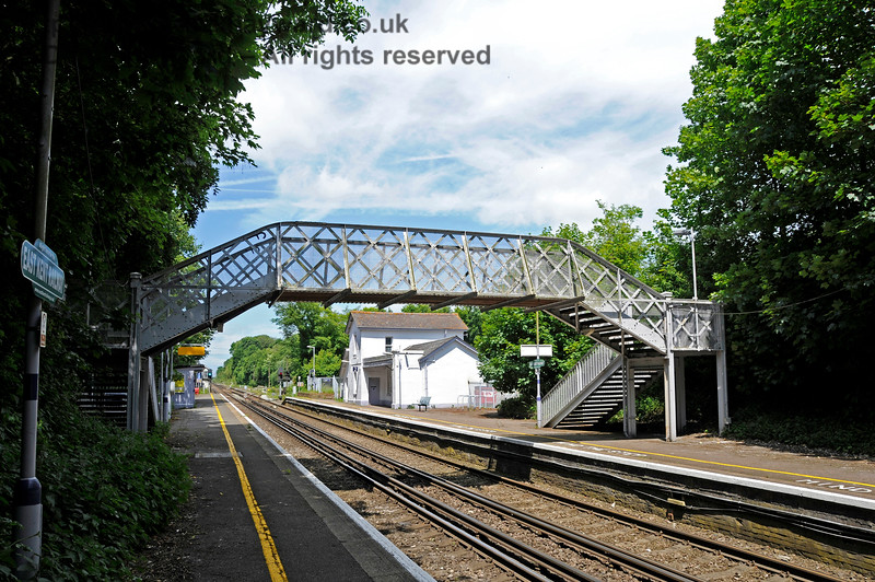 Shepherds Well (or Shepherdswell) Station, Network Rail, looking north. 17.06.2015  12775