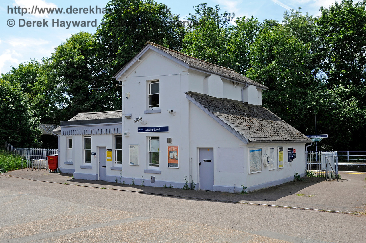 Shepherds Well (or Shepherdswell) Station, Network Rail. 17.06.2015  12766