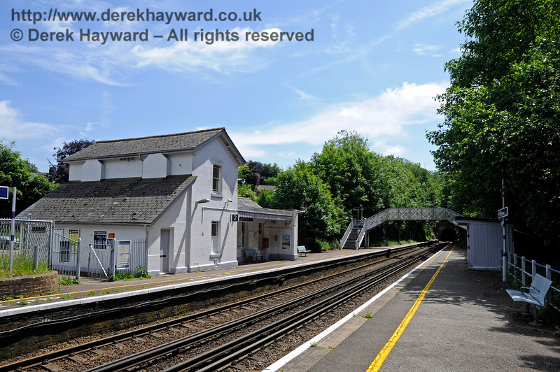 Shepherds Well (or Shepherdswell) Station, Network Rail, looking south. 17.06.2015  12770