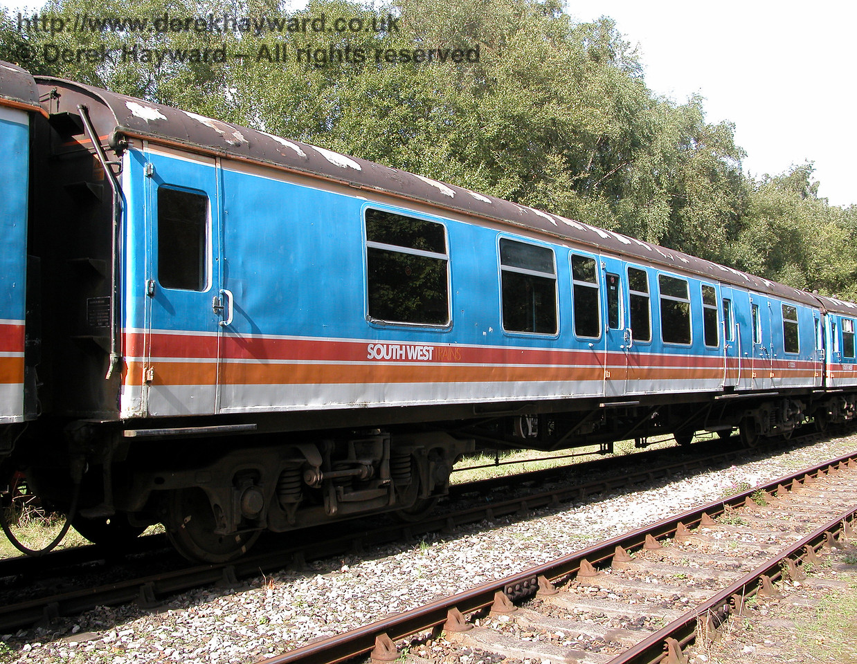 An earlier picture of coach S70235 from BR 4-CEP unit 7105 at Shepherdswell in 2006.  At the time all four coaches of the unit had signs of deterioration on the roof. 19.09.2006