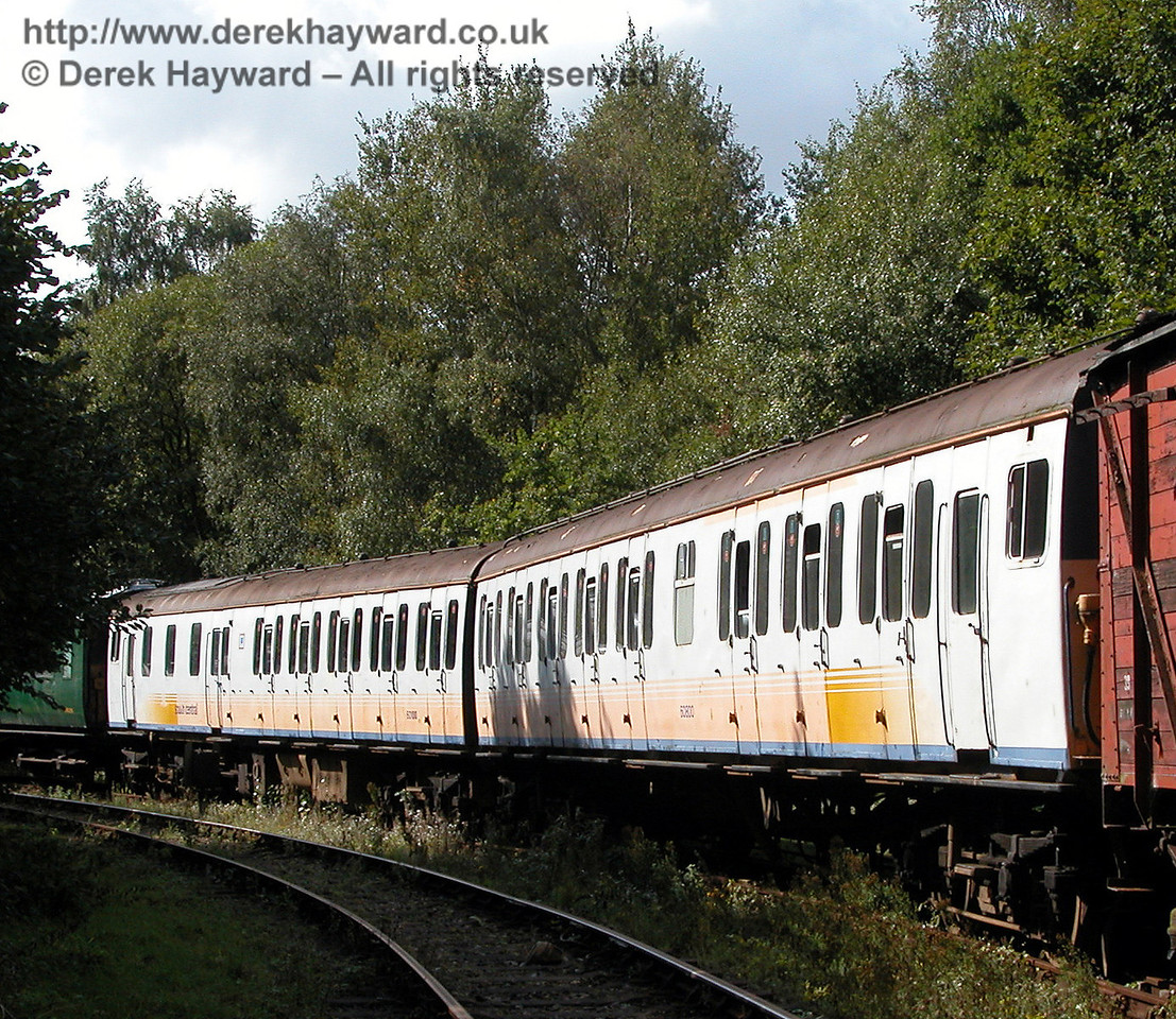An earlier view of Class 205 DEMU 205001 (Thumper 1101), looking west. 19.09.2006