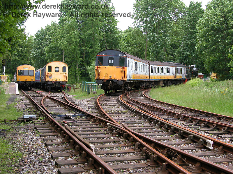 A second view taken in 2005 of Shepherdswell Station, looking west. 101660, 68001 and Thumper 205001 appear.  06.06.2005
