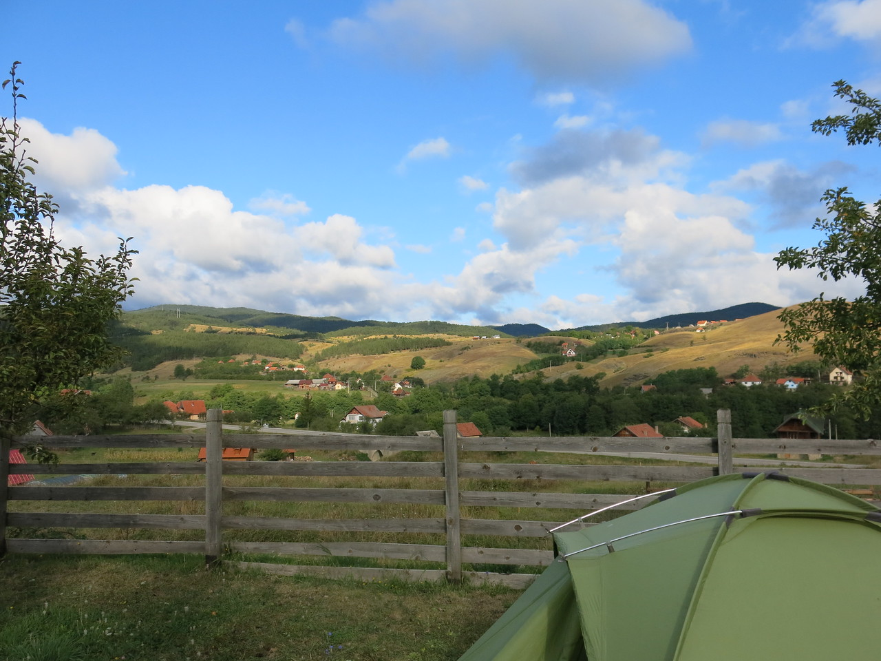 Farm camping with a view on Tara NP